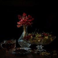 Чай со свежим ягодным вареньем... :: Надежда