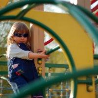 На детской площадке :: Лариса Сливина