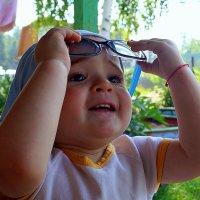 Взгляну на мир через бабушкины очки... :: Наталья Агеева