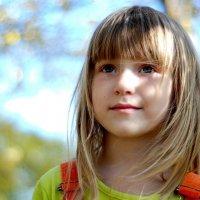 Осенний портрет дочери :: Лариса Сливина