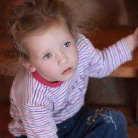 Задумчивый ребенок... :: Олеся Чубаренко