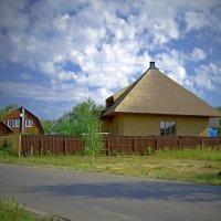 Соломенная крыша - дань забытому прошлому :: Viacheslav Birukov