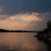 Река Ока в лучах заката :: Марина Напылова