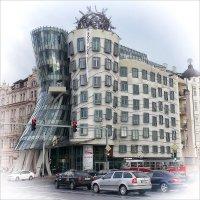 Танцующий дом :: Александр Назаров