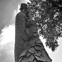 памятник огурцу :: Денис Козлов