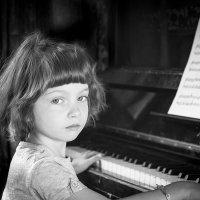 Старое пианино. Попробуем... :: Игорь Пилецкий