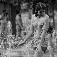 Летним днём в фонтане. :: Александр Степовой