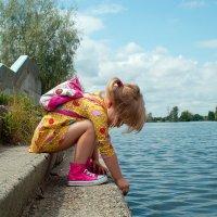 У реки :: Sergey Durachenko