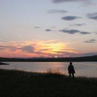 Девушка, любующаяся закатом :: Ingrid Viktorsdotten