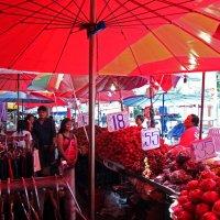 Таиланд. Корат. Красный мир прекрасных фруктов :: Владимир Шибинский