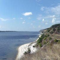 Утёс на правом берегу  Волги. :: Анатолий