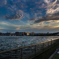 Cloudy sunset (В ожидании салюта) :: Nina Uvarova
