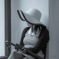 Девушка в шляпе :: Михаил Кучеров