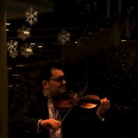 Музыкант играл на скрипке... :: tankist Алексей