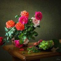 Розы и фрукты :: Ирина Приходько