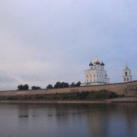 Город Псков ... река Великая. :: Ludmil Sams
