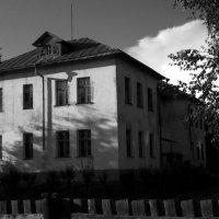 Старое здание... :: Павел Зюзин