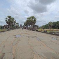 Храм Ангкор Ват. Дорога :: Сергей Карцев