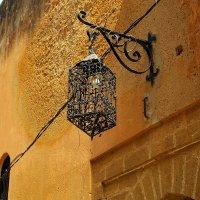 Старый фонарь из португальской крепости :: Светлана marokkanka