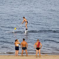 Спортивный вид отдыха на воде -Акваскипер ( водный велосипед) :: Николай Алехин