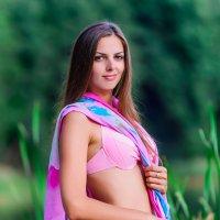 Девушка в розовом бикини :: Анатолий Клепешнёв