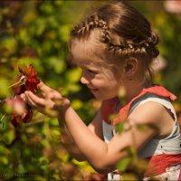 Дети сразу и непринужденно осваиваются со счастьем,ибо они сами по природе своей–радость и счастье:) :: Алексей Латыш
