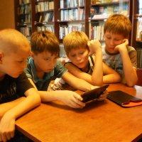 ''Мама, я в библиотеке...'' :: Наталья Тимошенко