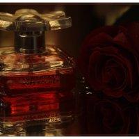 аромат духов так манит... :: Serdechko (Лариса) Кальнина
