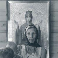 Богородица нас хранит :: Толеронок Анна