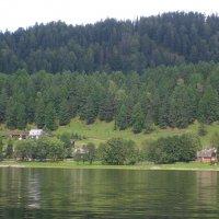 селение на другом берегу озера :: Наталья Золотых-Сибирская