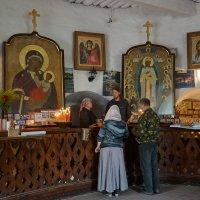 Псково-Печерский монастырь :: Юрий Шувалов