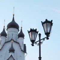 Церковь в парке строителей :: Артем Никитенко