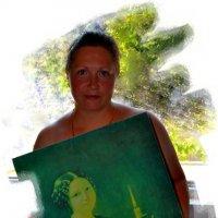 Дама с портретом. :: Владимир Дмитриев