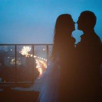 Свадьба в ночном городе :: Александр Кузнецов