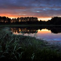 Рассвет на озере... :: Андрей Войцехов