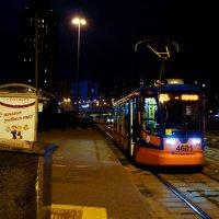 Ночной трамвай. :: Андрей Воробьев