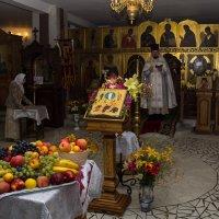 В храме :: Павел Белоус