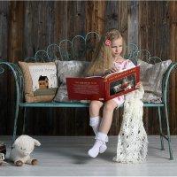 Книга обо мне, которая читает книгу обо мне, которая читает.... :: Виктория Иванова
