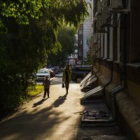 И на тенистой улице... :: Sergey Kuznetcov