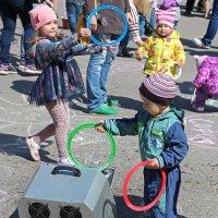 Северодвинск. Праздник мыльных пузырей (8) :: Владимир Шибинский