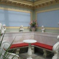 Античный внутренний садик. Римская скамья :: Елена Павлова (Смолова)