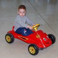 Данила и его первый автомобиль :: Александр Буянов