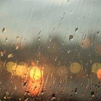 Дождь за окном :: Денис Ахрамеев