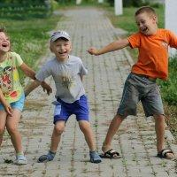 Детство один раз... :: Вера Шамраева