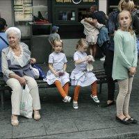 Бабушкины внучки :: Виктор (victor-afinsky)