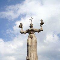 «Статуя Свободы на озере» :: Olga