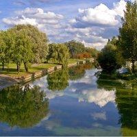 Облака в реке :: Евгений Лимонтов