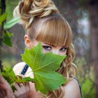 Лист клёна и взгляд... :: Кристина Волкова(Загальцева)