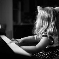 Пианистка :: Татьяна Сахарова