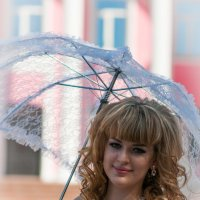 В тени зонтика :: Vladimir Beloglazov